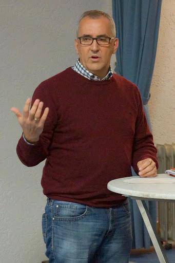 Herr Hausmann (SPD), Fraktionsvorsitzender und Bürgermeisterkandidat